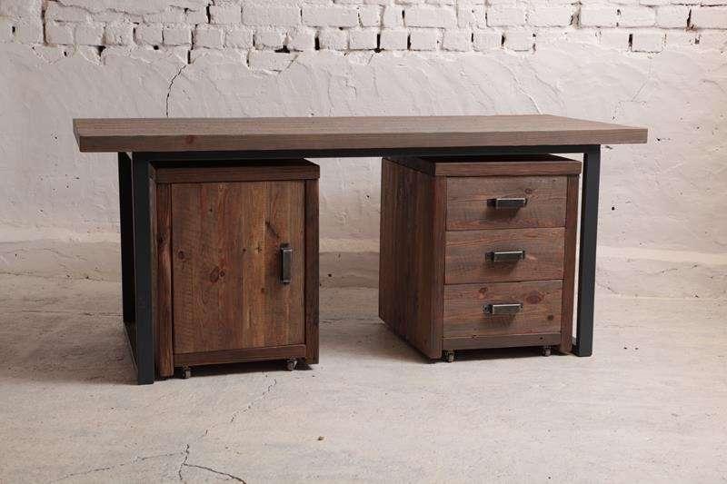 stol-biurko-szafki-ze-starego-drewna-i-metalu-z-odzysku
