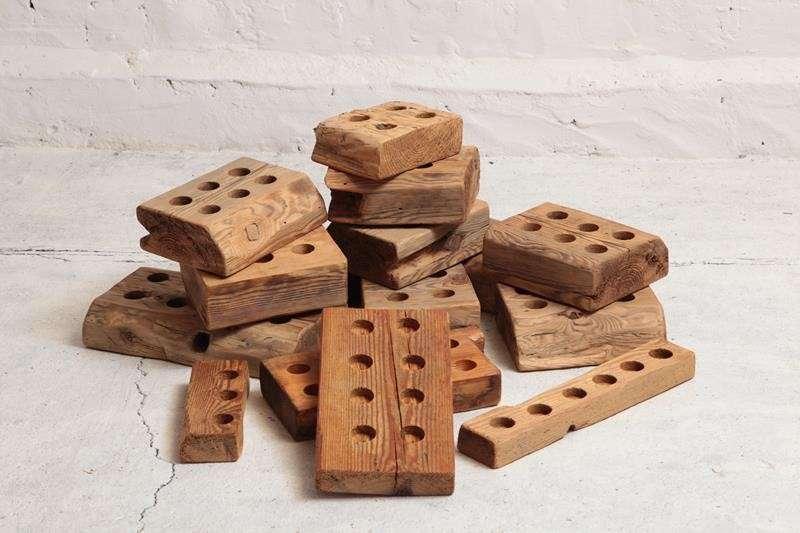 swiecznik-ze-starego-drewna