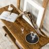 Konsola ze starego drewna na podstawie z wiekowej maszyny
